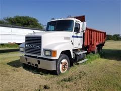 1997 Mack CH613 T/A Manure Spreader Truck