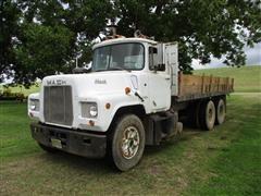 1975 Mack U600 Truck W/Dump Bed