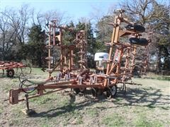 Wil-Rich 3-Section Field Cultivator W/Leveler