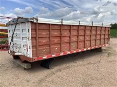 Omaha Standard Grain Box W/ Hoist