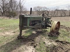 John Deere B 2WD Tractor For Parts Only