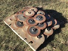 John Deere A89397 Cast Closing Wheels