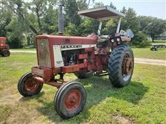 1964 Farmall 706 2WD Tractor