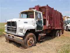 1991 Ford L8000 T/A 25 Yd Rear Load Garbage Truck For Parts