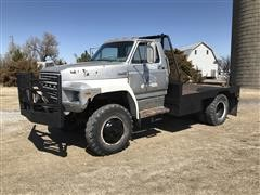 1981 Ford F700 4x4 Flatbed Truck