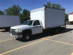 2005 Chevrolet 3500 Box Van Truck
