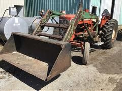 Allis-Chalmers D17 Series 2 2WD Tractor & Loader