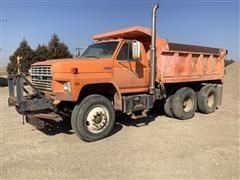 1985 Ford F900 T/A Dump Truck