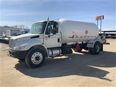 2004 International 4300 S/A Propane Delivery Truck