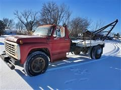 1973 Ford F700 S/A Gin Pole Truck W/Winch