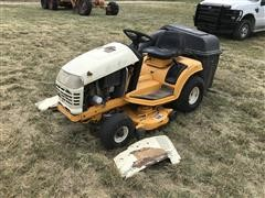 Cub Cadet 2000 Riding Lawn Mower/Tractor W/Bagger