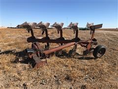 International 155 5-Bottom Roll-Over Plow