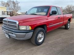 2002 Dodge RAM 2500 2WD Extended Cab Long Box Pickup