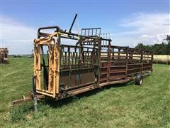 For-Most 30 Portable Headgate W/Squeeze Chute & Double Alleyway