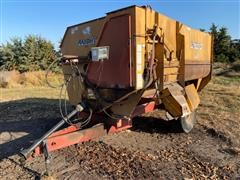 Knight Reel Auggie RA2450 Feeder Wagon