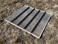 Gleaner L2 Grain Grate