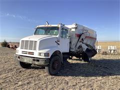 1991 International 7100 Feed/Mixer Truck