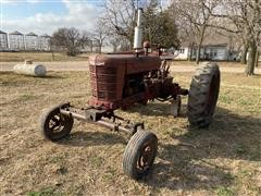 1945 International Farmall M 2WD Tractor (Inoperable)