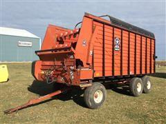1997 Meyer 4618 Tri/A Forage Wagon