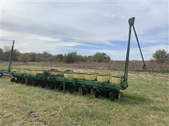 John Deere 7100 12R30 Planter