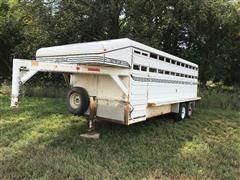 2001 Donahue T/A Livestock Trailer