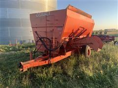 Oswalt 3-auger Mixer Wagon