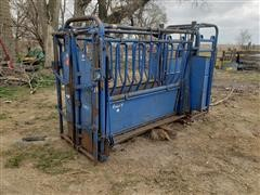 Priefert Squeeze Chute/Palpation Cage & Head Gate
