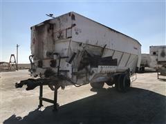 2016 Harsh 900 Feed Mixer/Feed Truck Box