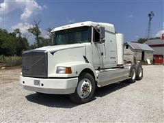 1993 White/GMC WIA64TES T/A Truck Tractor