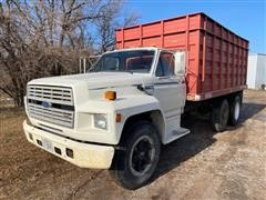 1985 Ford F700 T/A Grain Truck