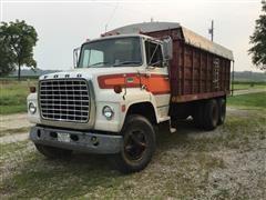 1977 Ford LN800 Grain Truck