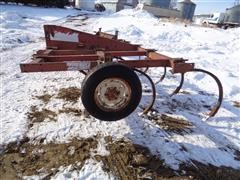 Lundell 33000 3-PT 13' Chisel Plow