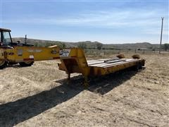 1980 Transport Trailers CR25XF T/A Fixed-Neck Lowboy W/Ramps