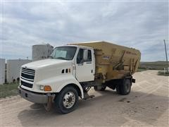 1998 Ford L8513 S/A Feed Truck