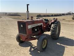 1969 International 544 2WD Tractor