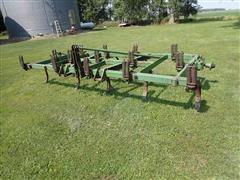 John Deere 100 14' 3 Point Chisel Plow