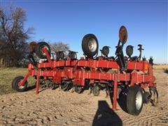 Case IH 183 12-Row Cultivator