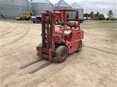 Clark CFY-40B Forklift