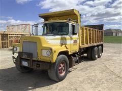 1970 Mack DM685S T/A Dump Truck