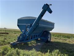 Kinze AW 1040 Row Crop Auger Grain Cart