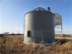 Golden Grain Grain Bin