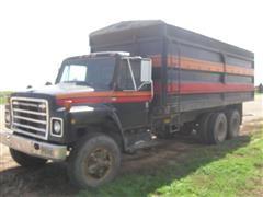 1980 International F1924 T/A Grain Truck