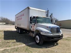2009 International 4400 T/A Dry Box Truck
