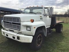 1985 Ford F700 S/A Flatbed Truck