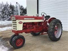 1962 International 560 Diesel 2WD Tractor