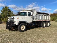 1996 Mack RD688S T/A Dump Truck