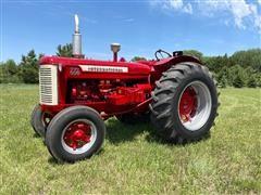 1957 International 650 Diesel 2WD Tractor