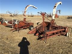 International 550FH , 555 Pull-Type Forage Harvesters