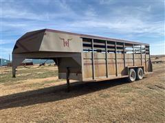 1982 Hillsboro T/A Gooseneck Livestock Trailer