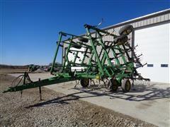 John Deere 980 28' Pull Type Field Cultivator